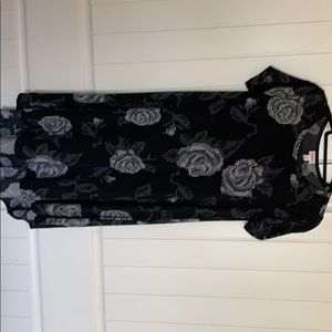 Lularoe Black rose Carly